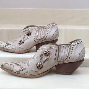 BCB Girls cowboy bootlets - 9B